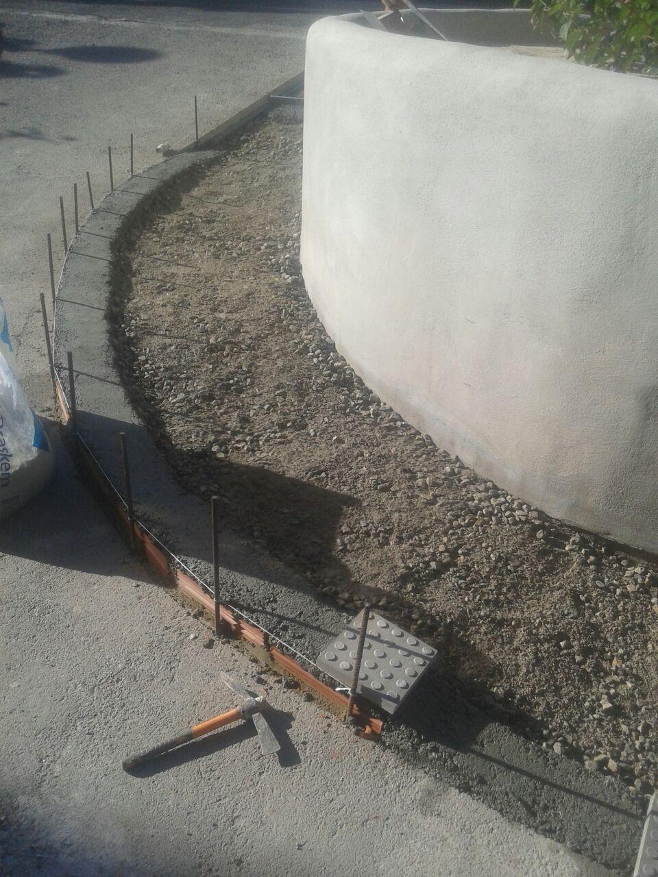 Construcción de acera en rampa